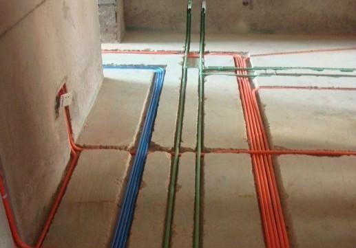二手房普遍存在电路分配简单,电线老化,违章布线等现象,已不能